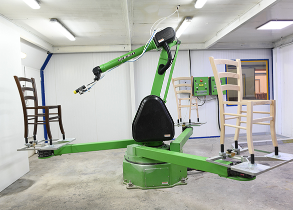 Robotic Painting for Wood Furniture